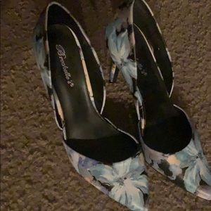 Shoes - Gently used floral heels